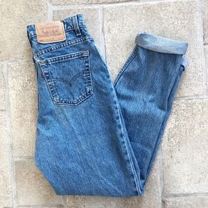 Levi's Vintage Mom Jeans High Rise Tapered Leg